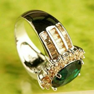 No Brand Jewelry - Beautiful! Emerald Quartz & Morganite Ring size 9